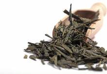 Green Tea Dried And Rolled Leaves