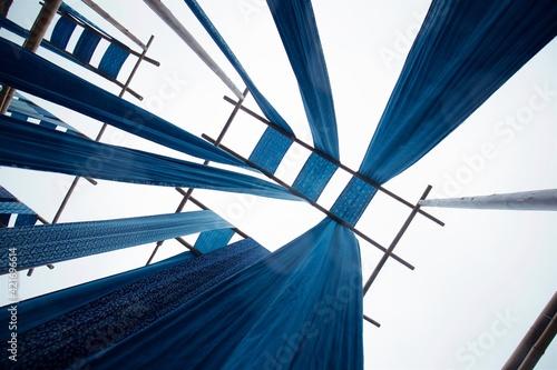 Carta da parati Low Angle View Of Modern Building Against Blue Sky
