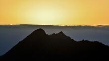 夜明け前の朝焼けと摩周岳のコラボ情景@北海道