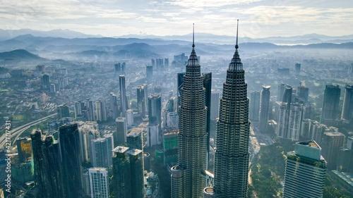 Valokuva Aerial View Sunrise Of Klcc Tower Kuala Lumpur City Centre