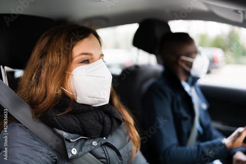 Leinwand Poster Carpool Car Ride Share Service