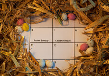 Easter 2021 Calendar - April 4th & 5th - Easter Theme - Small Eggs