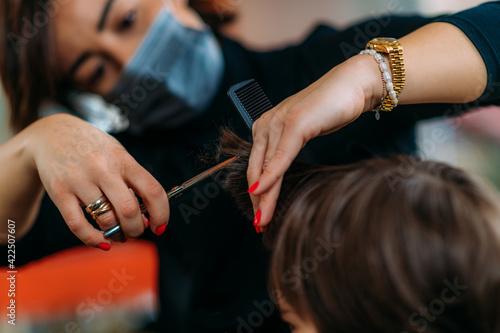 Fotografia Hair Salon, Child Hair Cutting