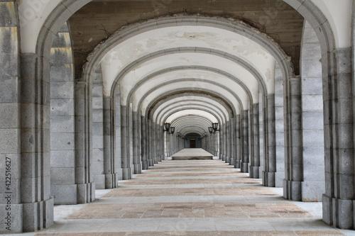 Fototapety, obrazy: Galería en el Valle de los Caídos, España