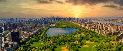 Fototapeta Central Park aerial view, Manhattan, New York. Park is surrounded by skyscraper. obraz