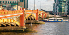 The Vauxhall Bridge Is An Arched Bridge Over The Thames In London, Made Of Steel And Granite