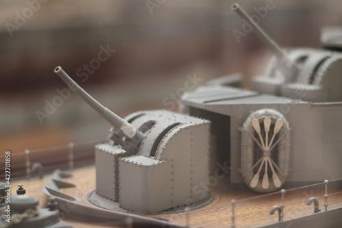 Canvastavla Batería de cañones de la maqueta de un barco
