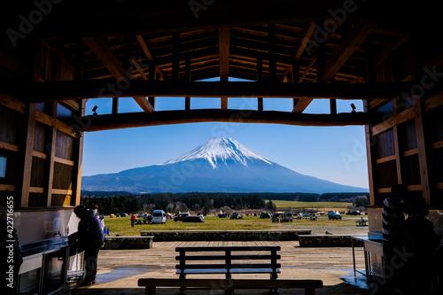 静岡県の富士山が見えるキャンプ場 Fototapeta