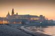 Wschód słońca nad Zamkiem Królewskim na Wawelu, Kraków, Polska