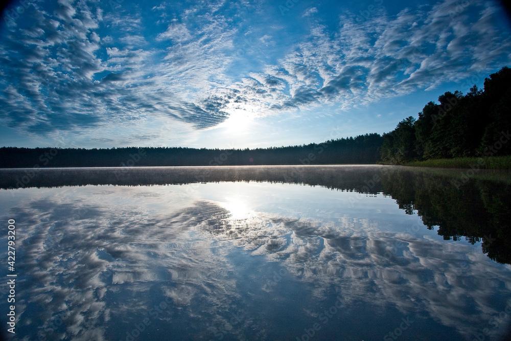Fototapeta poranek nad jeziorem