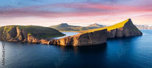 фотография Sorvagsvatn lake on cliffs of Vagar island in sunset, Faroe Islands