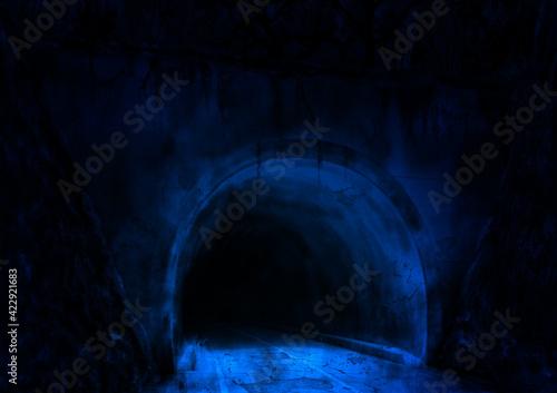ひび割れた廃トンネル青