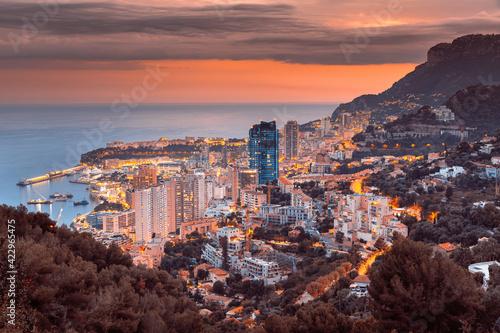 Fotomural Evening view of Montecarlo, Monaco, Cote d'Azur, Europe