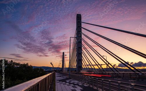 Tela 旭川市ツインハープ橋の夕景