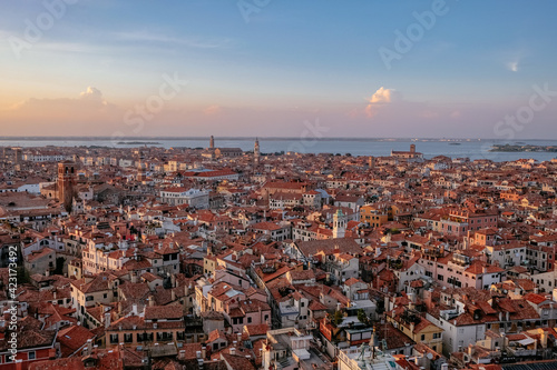 Canvastavla Aerial Panoramic View of Venice and the Lagoon from the top of Campanile di San