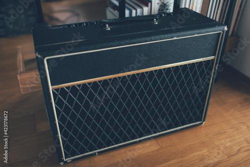 Fotografija Guitar amp at home