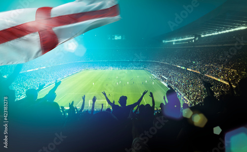 Photographie crowded football stadium with english flag