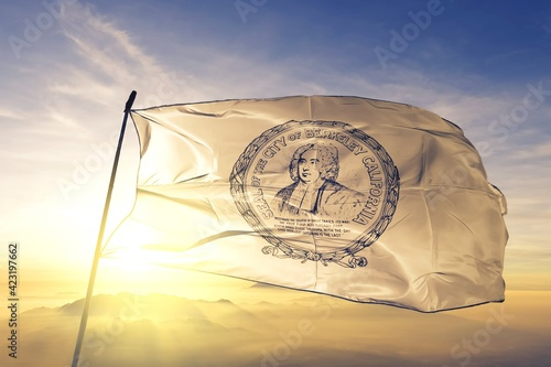 Fotografia Berkeley of California of United States flag waving on the top