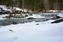 Fluss Breitach Bei Schnee In Oberstdorf