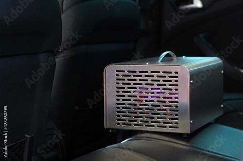 Obraz Ozonowanie klimatyzacji samochodowej - fototapety do salonu