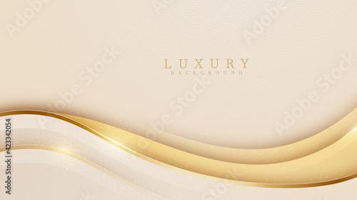 Fotografia Smooth golden wave on cream shade color background