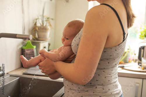 Fotografia, Obraz Practicing elimination communication to better feel your child