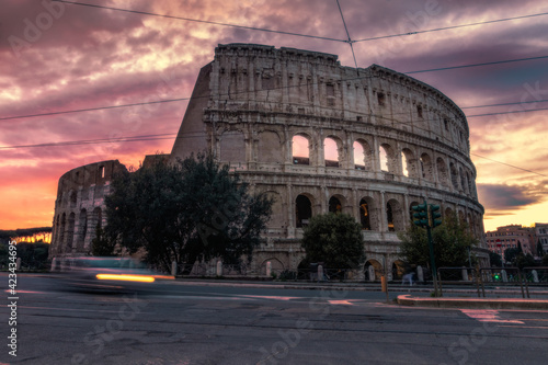 Foto colosseum at sunset