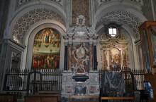 Napoli - Cappelle Di Destra Nel Transetto Del Duomo