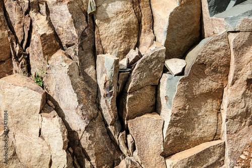 Fotografia Rocky stones on the mountainside.
