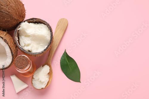 Obraz Composition with coconut oil on color background - fototapety do salonu
