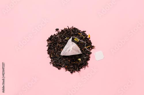 Obraz Composition with tea bag on color background - fototapety do salonu