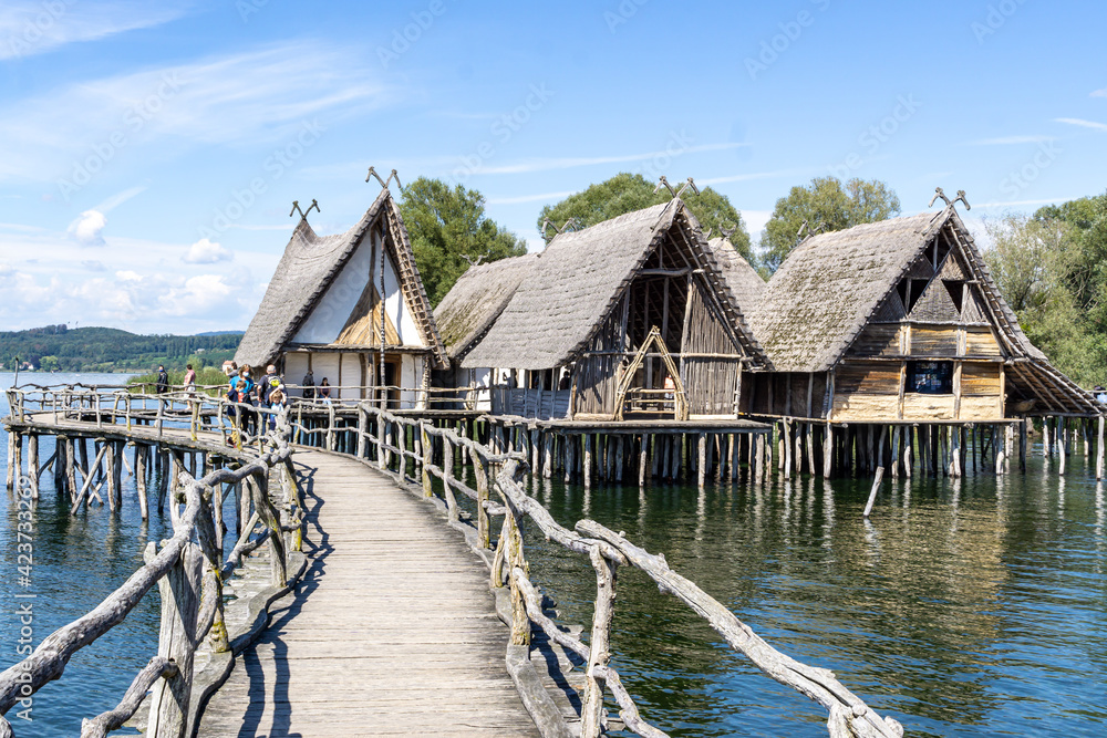 Fototapeta Pfahlbauten in Unteruhlingen am Bodensee