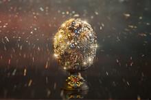Uovo Di Pasqua Con Diamanti Sul Tavolo Di Vetro