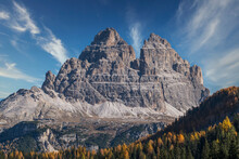 Italy, Veneto, Cortina D'Ampezzo, Dolomites, Tre Cime Di Lavaredo Rock Formation In Dolomites