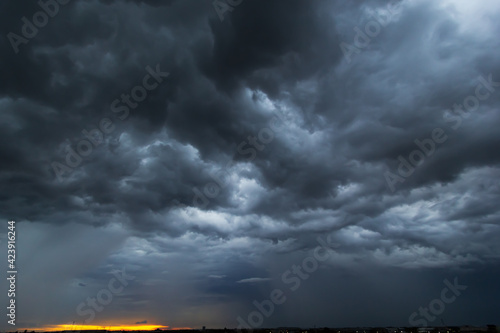 Fototapeta The dark sky had clouds gathered to the left and a strong storm before it rained. obraz