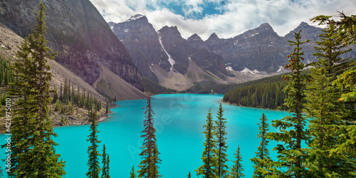 Obraz Moraine lake near Lake Louise village in Banff National Park, Alberta, Rocky Mountains, Canada. View from rockpile trail - fototapety do salonu