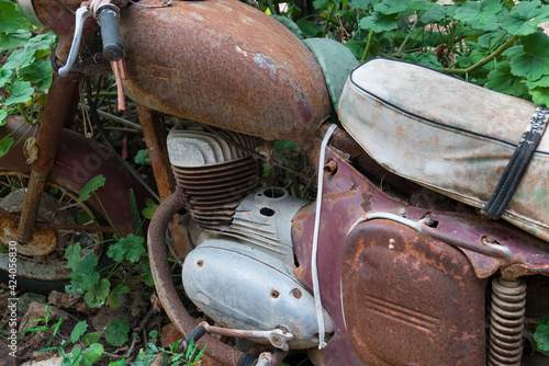 Tablou Canvas Scrapped old nostalgic rusty motorcycle
