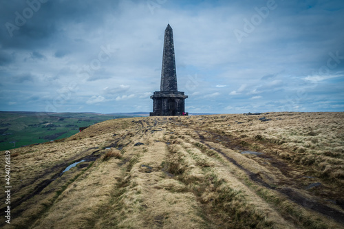 Fototapeta White House to stoodley Pike on the Pennine Way The South Pennines is a region of moorland and hill country in northern England lying towards the southern end of the Pennines