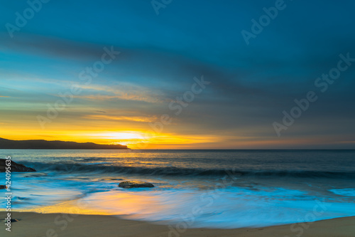 Fototapety, obrazy: High Cloud Sunrise Seascape with Soft Shades of Colour