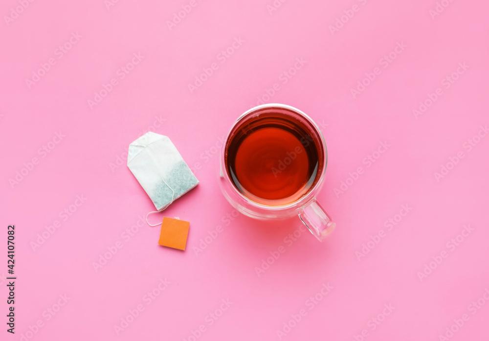 Fototapeta Cup of tea on color background - obraz na płótnie