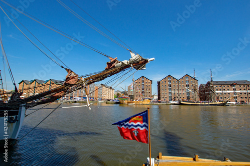 Vászonkép Looking across Gloucester Docks towards the brig Phoenix and The Matthew during