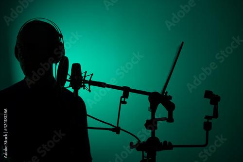 Obraz na płótnie Voiceover actor studio microphone