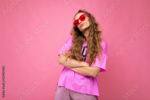 Fényképezés Attractive amusing upset young blonde woman wearing everyday stylish clothes and