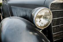 SEVASTOPOL - FEBRUAR 03: The Radiator Grille And Emblem Of Mercedes-Benz  (black) Exhibition Of The Second World War, Close-up, , Februar 03, 2015 Sevastopol, Russia