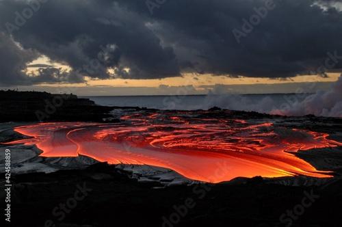 Canvas Print Coulées de lave du volcan Kilauea à Hawaii