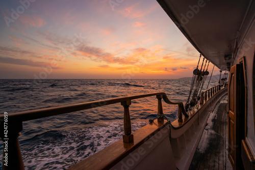 Obraz A sailing ship at sea - fototapety do salonu