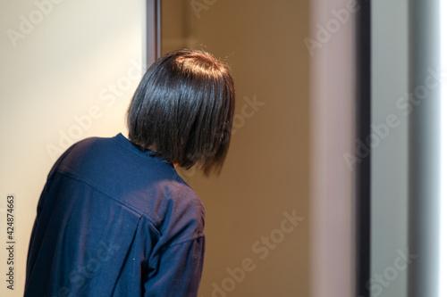 Fotografie, Obraz 子育てによる疲労・孤独・ストレスを感じる女性