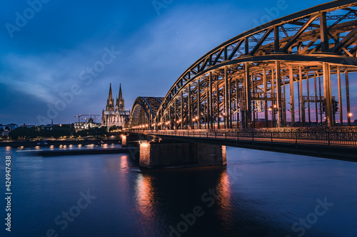 Kölner Dom bei Nacht Fotobehang