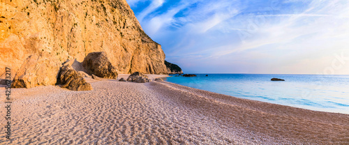Fototapeta Tranquil sea scenery - sunset in Porto Katsiki beach. Lefkada Ionian island. Most beautiful beaches of Greece obraz