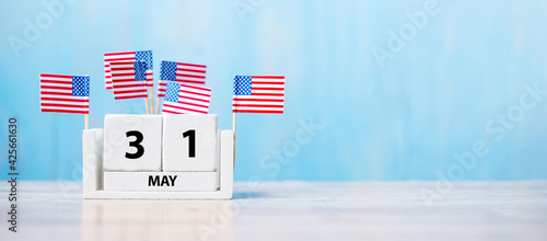 Fotografie, Obraz 31 May of white Calendar with United States of America flag on wood background